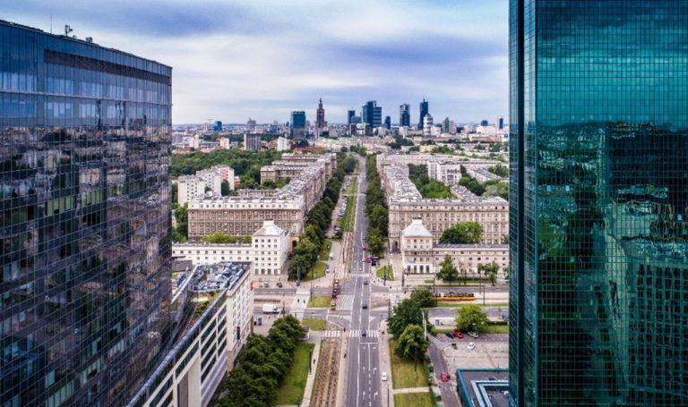 Kraków, Warszawa i Wrocław z największym wzrostem w sektorze usług biznesowych i segmencie biurowym