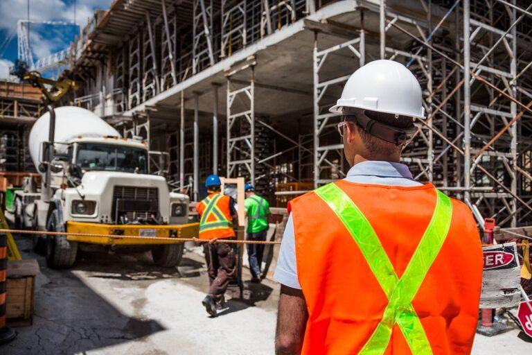 Rusztowanie budowlane – kiedy warto w nie zainwestować?